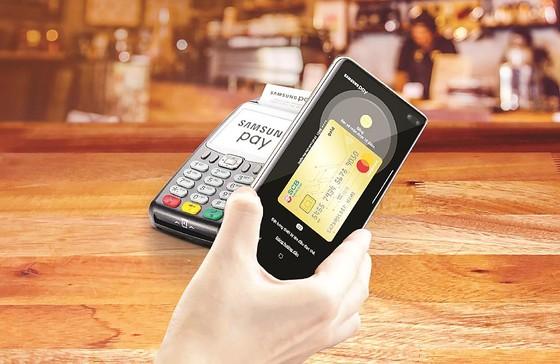 Ra mắt tính năng Samsung Pay cho thẻ quốc tế SCB Mastercard ảnh 1
