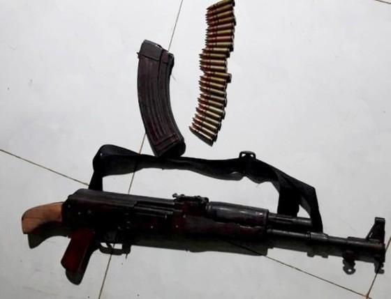 Bắt được đối tượng dùng súng AK bắn người yêu rồi bỏ trốn ảnh 2