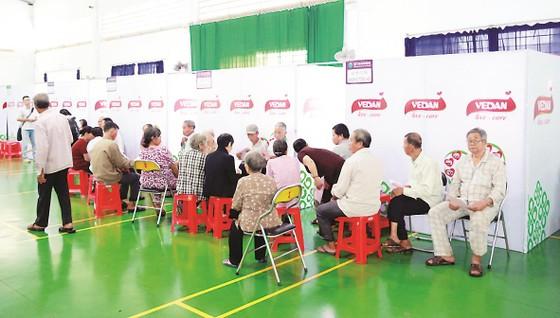 Công ty Vedan Việt Nam khám bệnh từ thiện và phát thuốc miễn phí tại tỉnh Đồng Nai ảnh 9