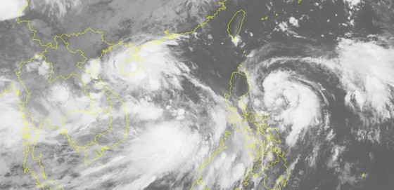 Cùng lúc xuất hiện 2 áp thấp nhiệt đới ở biển Đông, có thể mạnh lên thành bão ảnh 1