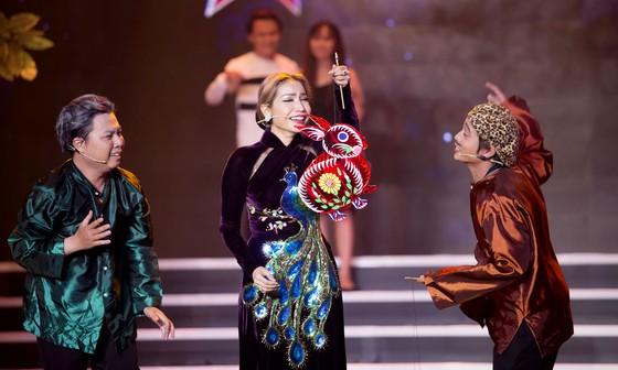 Võ Tấn Phát đăng quang Quán quân bảng Triển vọng Cười xuyên Việt 2017 ảnh 3