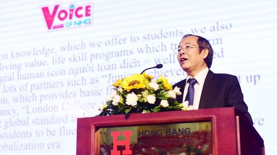 """Chung kết cuộc thi hùng biện tiếng Anh """"Voice Of Nguyen Hoang - VNH"""" lần 1  ảnh 1"""