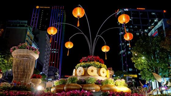 Cận cảnh đường hoa Nguyễn Huệ lung linh trước ngày khai mạc ảnh 5