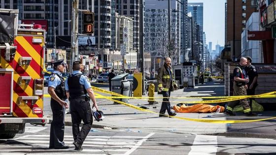 Vụ đâm xe khiến khoảng 25 người thương vong tại Canada: Không loại trừ khả năng khủng bố? ảnh 3