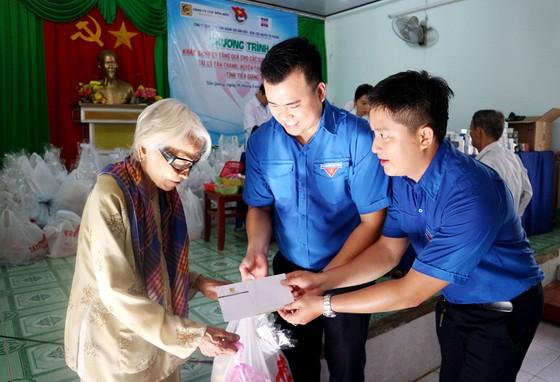 Hết lòng vì người nghèo, học sinh khó khăn miền cù lao đất mặn Tân Thạnh, Tiền Giang ảnh 4