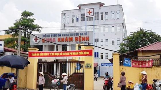 Vụ trao nhầm con ở Bệnh viện Đa khoa huyện Ba Vì, Hà Nội: Sơ suất gây oan nghiệt! ảnh 1