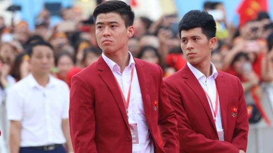 """HLV Park Hang-seo: """"Chúng tôi sẽ nỗ lực để giành chiến thắng ở AFF Cup"""" ảnh 23"""