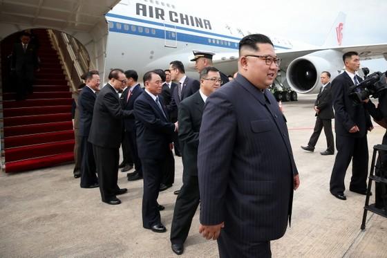 美總統抵新 金正恩會見李顯龍 ảnh 1