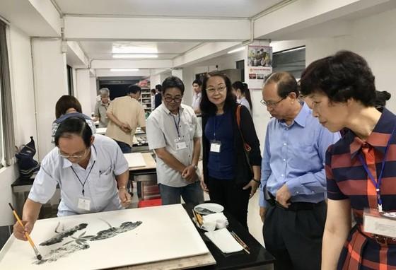 華人美術迎向新發展機遇 ảnh 1