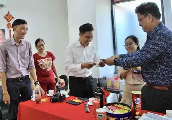 時代廣場與 ManEdu 國際華語學校舉行節後開張儀式 ảnh 1