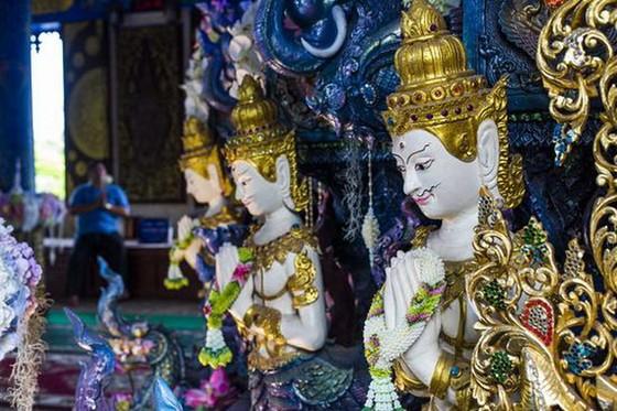 泰國清萊有著一座絕美的藍色宇宙 ảnh 3