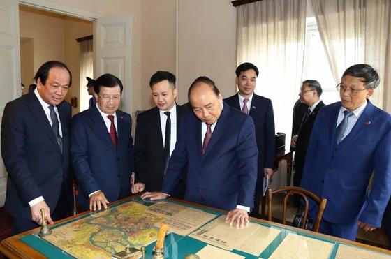 政府總理阮春福正式訪問俄羅斯 ảnh 1