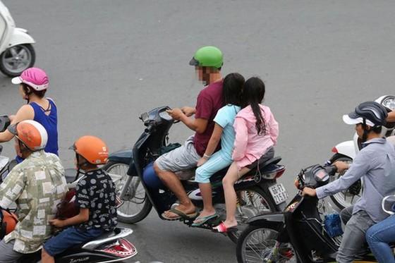 交通意識差原因何在? ảnh 3