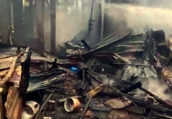 An Giang: Hỏa hoạn thiêu rụi 10 căn nhà của người dân ảnh 2