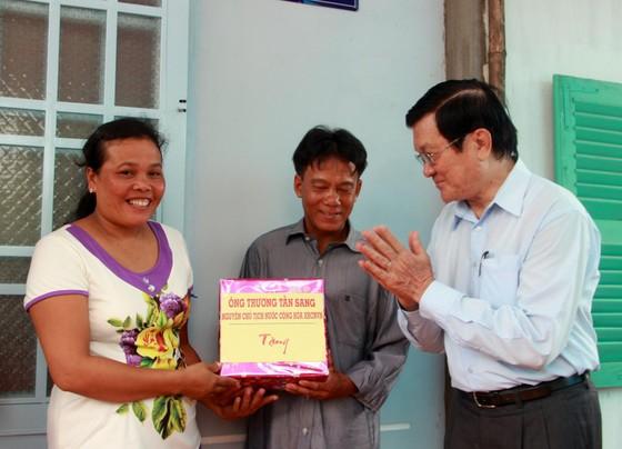 Nguyên Chủ tịch nước Trương Tấn Sang trao nhà chính sách tại Sóc Trăng ảnh 2