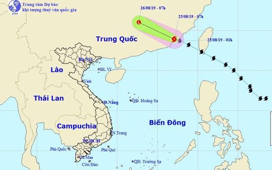 Bão Bailu đổ bộ vào Trung Quốc suy yếu thành vùng áp thấp, Trung bộ nắng trở lại ảnh 1