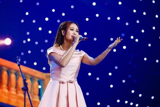 Ca sĩ Hà Thúy Anh: Em chỉ biết Công Phượng! ảnh 1