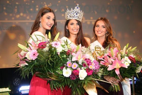 Tân Hoa hậu Áo 2018 đến Việt Nam ảnh 2