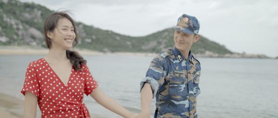 """""""Hậu duệ mặt trời"""" Việt tung MV nhạc phim cuốn hút  ảnh 1"""