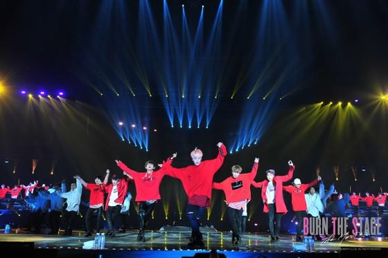 Ra mắt phim về nhóm nhạc đình đám nhất Hàn Quốc ảnh 1