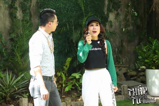 Nam Thư nhận nút Play vàng của YouTube ảnh 1