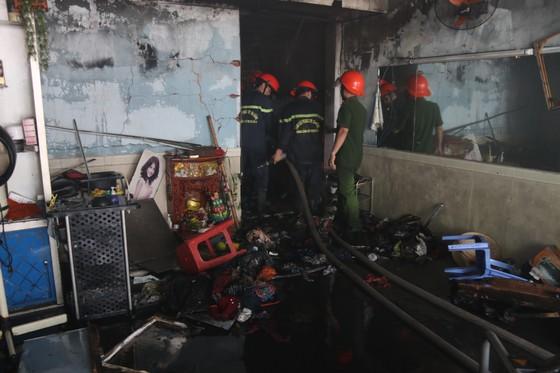 Đà Nẵng: Cháy lớn trong khu dân cư, nhiều người hoảng loạn ảnh 3