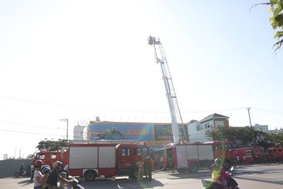 Đà Nẵng: Cháy cửa hàng Điện Máy Xanh Ngũ Hành Sơn ảnh 1