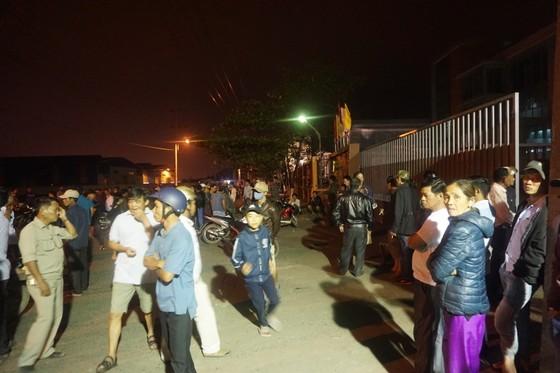 Người dân tập trung phản đối nhà máy thép Dana Ý tại Đà Nẵng gây ô nhiễm ảnh 1