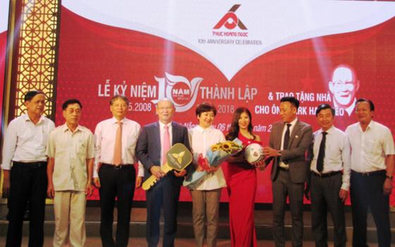 Vợ chồng HLV Park Hang-seo được tặng nhà ở Đà Nẵng ảnh 2