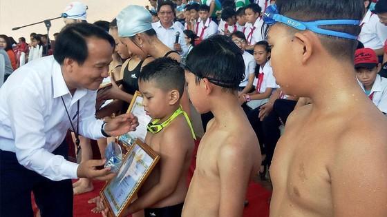 Sở GD-ĐT Đà Nẵng tổ chức dạy bơi cho 28.000 học sinh ảnh 3