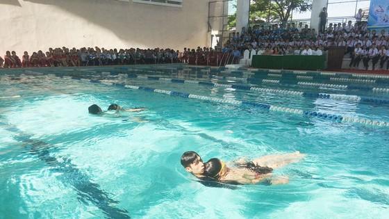 Sở GD-ĐT Đà Nẵng tổ chức dạy bơi cho 28.000 học sinh ảnh 1