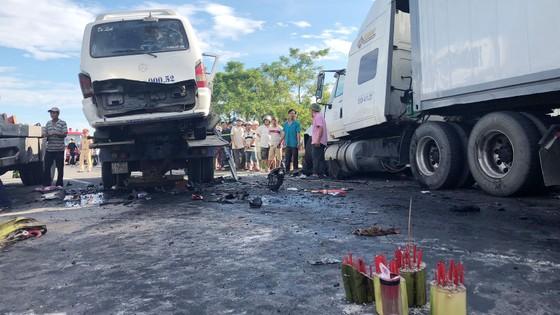 Vụ tai nạn làm 13 người chết tại Quảng Nam: Tài xế xe 16 chỗ ngủ gật và gây tai nạn? ảnh 1