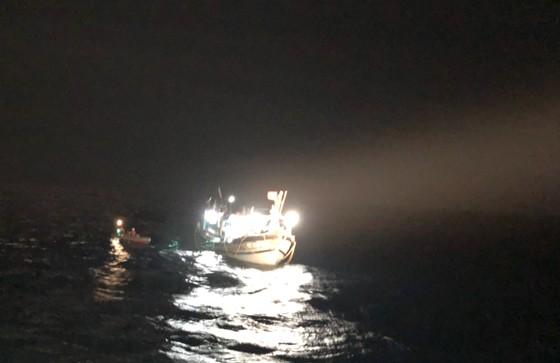 Tàu cá cùng 6 ngư dân Đà Nẵng gặp nạn ở phía Nam quần đảo Hoàng Sa ảnh 1