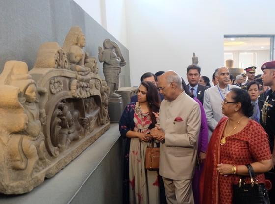 Tổng thống Ấn Độ và Phu nhân thăm bảo tàng điêu khắc Chăm Đà Nẵng và Di tích Mỹ Sơn ảnh 4