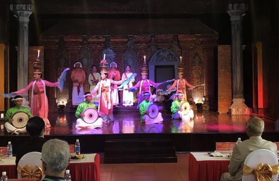 Tổng thống Ấn Độ và Phu nhân thăm bảo tàng điêu khắc Chăm Đà Nẵng và Di tích Mỹ Sơn ảnh 9
