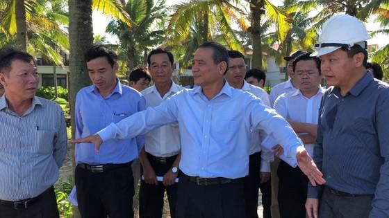 Bí thư Thành ủy Đà Nẵng kiểm tra đột xuất công trình mở lối xuống biển ảnh 2