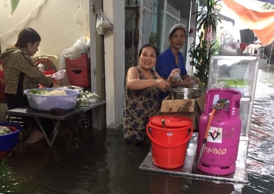 Đà Nẵng cấp bách ứng phó với ngập sâu do mưa lớn kéo dài  ảnh 6