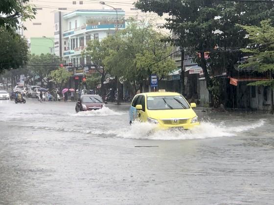 Đà Nẵng cấp bách ứng phó với ngập sâu do mưa lớn kéo dài  ảnh 2