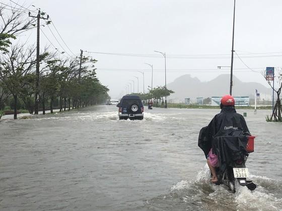 Đà Nẵng cấp bách ứng phó với ngập sâu do mưa lớn kéo dài  ảnh 7