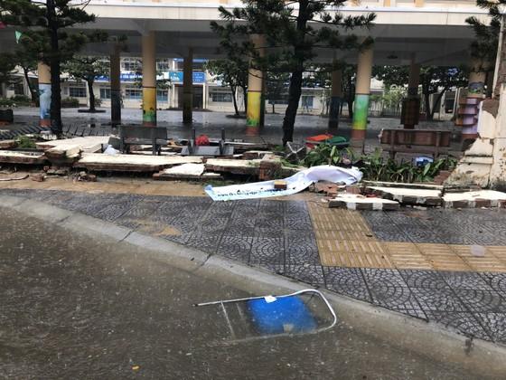 Mưa ngập bất thình lình, ngày mai 10-12, học sinh - sinh viên trên toàn thành phố Đà Nẵng được nghỉ học ảnh 14