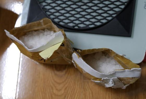 Bắt đối tượng ngụy trang ma túy trong loa thùng  ảnh 2