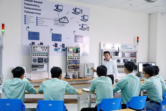 Trường Đại học đầu tiên ở Đà Nẵng xây dựng xưởng thực hành ô tô ảnh 3