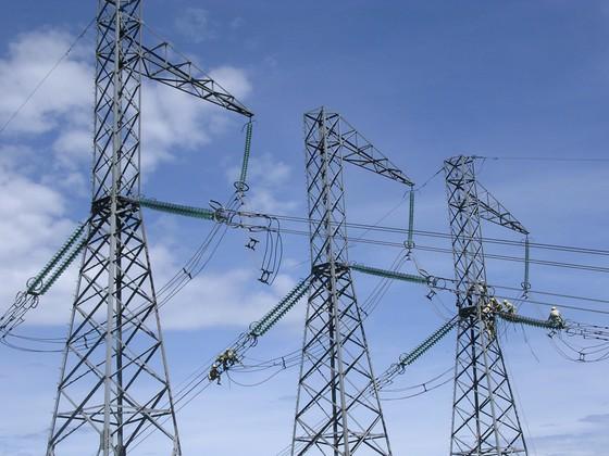 EVN nói gì về tiến độ xây dựng lưới điện giải tỏa công suất cho các dự án điện mặt trời? ảnh 1