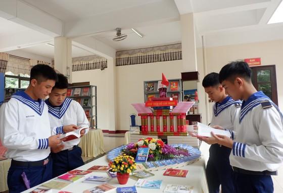 Hành trình vươn tới những ước mơ - 50 năm thực hiện di chúc của Chủ tịch Hồ Chí Minh ảnh 2