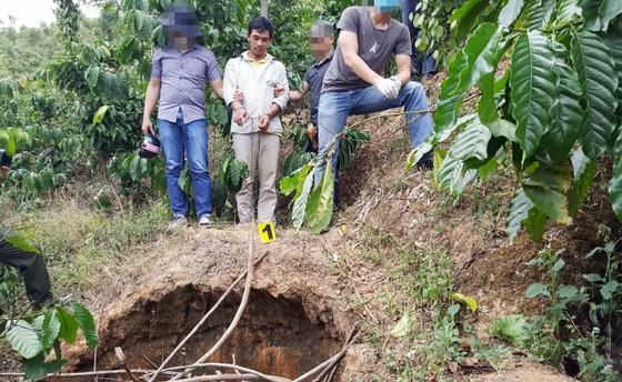 VIDEO: Bắt khẩn cấp đối tượng giết chủ nợ chôn xác phi tang ảnh 2