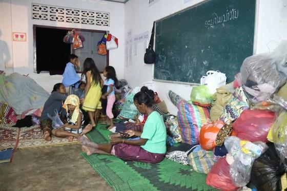 Cùng dân bản Hồ Coong, nơi bị ảnh hưởng nặng nề vì vỡ đập thủy điện Lào ảnh 2