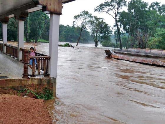 Sau 6 ngày, hiện trường nơi vỡ đập thủy điện ở Lào vẫn ngổn ngang ảnh 4