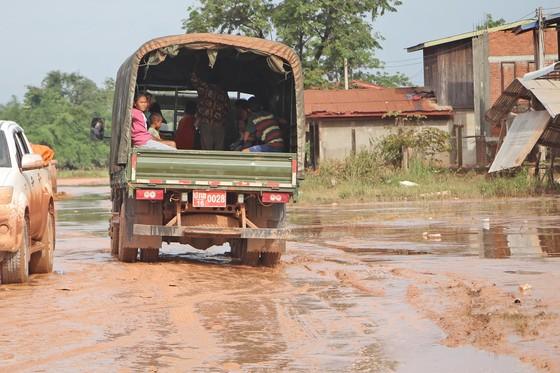 Quân đội tập trung tìm kiếm nạn nhân mất tích vụ vỡ đập thủy điện ở Lào ảnh 3