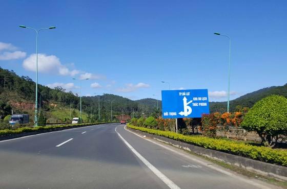 Hàng loạt sai phạm tại UBND huyện Đức Trọng - Lâm Đồng ảnh 1