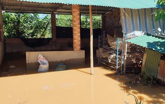 Nước lũ gây ngập nặng ở TP Bảo Lộc ảnh 3